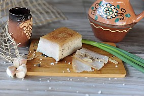 Produse din carne de porc, vita si pui de cea mai inalta calitate cu specific traditional moldovenesc